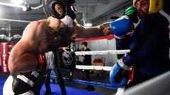 Тайно видео: Конър не може да се боксира?!?