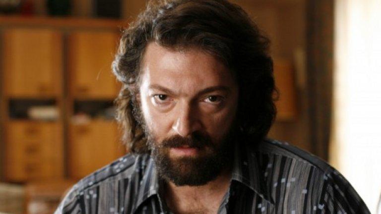 """Двете части на """"Месрин"""" - """"Инстинкт на убиец"""" и """"Обществен враг No.1"""" / Mesrine (2008)   Филмът е създаден по истинската история на престъпника Жак Месрин, определян за обществен враг No.1 във Франция през 70-те години. Касел отново прави чудесна роля, този път - на брутален убиец, избягал от затвора, заподозрян за извършването на внушителен брой престъпления."""