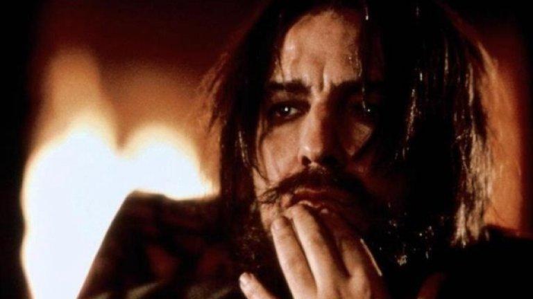 """Загадъчната фигура на руския монах и мистик Григорий Распутин е вдъхновила няколко ТВ продукции. """"Распутин: тъмният слуга на съдбата"""" е приносът на HBO към фигурата на """"лудият монах"""". За Рикман пък лентата носи """"Златен глобус"""" и награда """"Еми""""."""