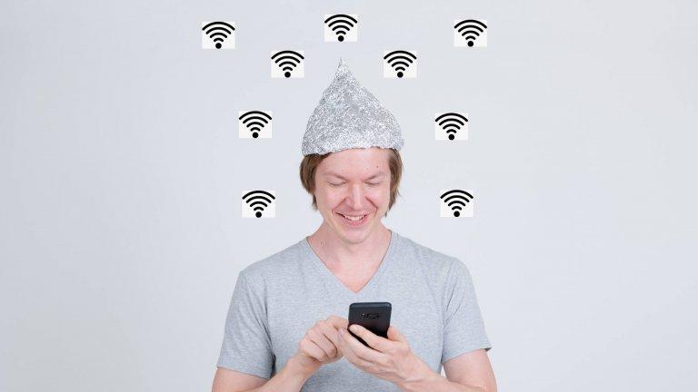 Сам си си Wi-Fi, а вместо в Tinder, общуваш чрез телепатичен Bluetooth, който прихваща и сигнал от съседите