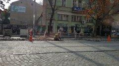 Ако на гърба на Дондуков не се бяха упражнявали толкова много субекти - кой за политически дивиденти, кой от финансова изгода, кой от безсилие, булевардът можеше да изглежда много по-добре, а ремонтът да бъде по-качествен. Толкова много ли искаме?