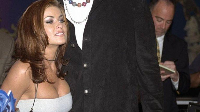 """Кармен Електра и Денис Родман   """"Каквото се случва във Вегас, си остава във Вегас"""" се оказва печално вярно що се отнася до брака на Кармен Електра с Денис Родман, който продължава малко над седмица. През 1998 г. ексцентричният баскетболист и актрисата си казват """"Да"""". Часът е седем сутринта, мястото е Лас Вегас, а младоженците са употребили солидно количество алкохол (а и не само). Мениджърът на Родман е в шок от случващото се и се чуди как да реагира, за да запази репутацията на спортиста. Девет дена по-късно двойката подава документи за развод и бракът им си остава просто едно приключение от Града на греха."""