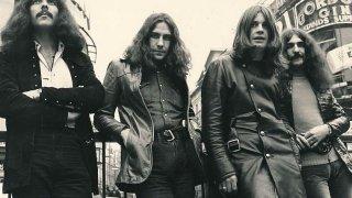 Музикални хроники: В Black Sabbath кокаинът беше над всичко, но той доведе до изхвърлянето на Ози