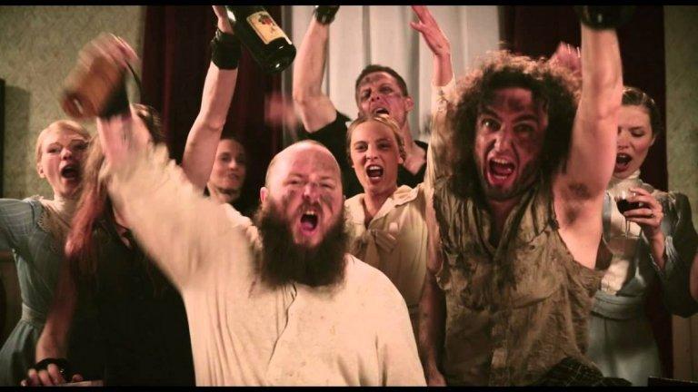 Alestorm - Drink В песните на пиратската банда Alestorm действително алкохолът (ром, уиски, бира, водка, каквото там има) е важна и неделима част. И което и тяхно парче да подберем, все ще е на място. Спираме се обаче на тематичното Drink.