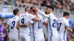 Бензема празнува с другите голмайстори на Реал днес Хамес Родригес и Марко Асенсио