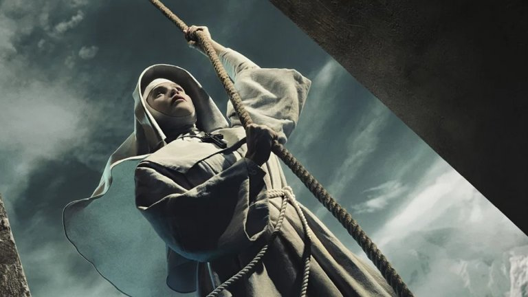 Black Narcissus Кога: 23 ноември Къде: FX  Действието на този минисериал се развива през 1934 г., а в центъра на историята е младата монахиня сестра Клода (Джема Артъртън). Тя заминава за Непал, за да основе клон на своя орден в Хималаите. Това ще стане на територията на палат, подарен от генерал Тода Рай с надеждата, че монахините ще заличат мрачните му спомени от мястото, свързани с покойната му сестра. Сестра Клода не се съобразява с предупрежденията, но скоро болести и изолацията започват да тегнат над сестрите.   В сериала ще видим и едно от последните изпълнения на вече покойната Даяна Риг (лейди Олена Тайрел в Game of Thrones).