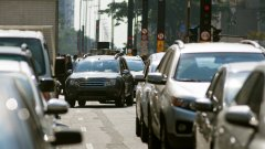 Все по-голям процент хора искат забрана за шофирането на големи коли в градска среда