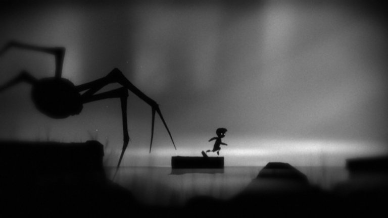 Limbo (PS3, Xbox 360, PC, Android, iOS)  Кой казва, че за добрата история са необходими лъскава графика, сложни анимации и големи бюджети? Издадена най-напред за Xbox 360, Limbo е една от най-стилните, експресивни и грабващи във визуално отношение игри, която трябва да се види и... почувства. Можем часове наред да говорим за неописуемото, плашещо и дори потискащо очарование на тази игра. Просто си представете, че отново сте на пет или шест и ви предстои да изживеете някой от най-плашещите си кошмари - не тези, които са пълни с насилие, а такива, в които страхът идва от неизвестността.   Светът на Limbo е забулен в загадъчна мъгла, от която опасностите придобиват ясни очертания в последния момент. Пригответе се да бъдете набождани на остри шипове, давени, разкъсвани от вълчи капани и какво ли не още. Освен това, всичко е потънало в почти оглушителна тишина, в която ще чувате само глухото потропване на собствените си детски крачета.  Героят на Limbo е просто хлапе, твърдо решено да измъкне своята сестра от този кошмарен свят, а заедно с него ви предстои едно незабравимо пътуване през чистилището.