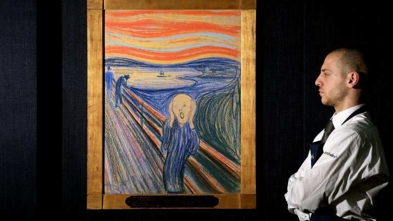 """Въоръженият грабеж в Музея на Мунк Картините на Едвард Мунк са честа цел на крадците. За първи път картината """"Викът"""" е открадната през 1994 г. и на нейно място е оставена бележка """"Благодарим за лошата охрана"""". Три месеца по-късно е върната. Но най-известният обир на шедьоврите на Мунк е през 2004 г., когато двама въоръжени мъже нахлуват посред бял ден в Музея на Мунк в Осло и взимат шедьоврите """"Викът"""" и """"Мадона"""". Пазачите казват, че са държани на прицел през цялото време, а тогава музеят не е разполагал с алармена сигнализация. Полицията по-късно успява да издири похитените творби. Състоянието на """"Викът"""" обаче е било толкова лошо, че картината не е можела да бъде отново изцяло реставрирана."""