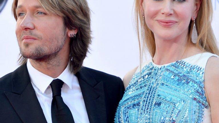 """От 2008 г. насам тя е омъжена за втория си съпруг - музикантът Кийт Ърбън, с когото имат две дъщери и който тя определя като """"голямата й любов""""."""