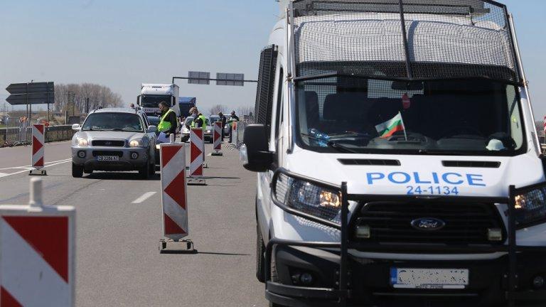 """Двама загинаха, а един е тежко ранен при катастрофа на """"Хемус"""