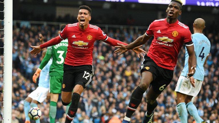 """1. Юнайтед показа характер след отчайващо първо полувреме  На почивката ситуацията за Моуриньо изглеждаше кошмарна. Сити не само водеше с 2:0 без дори да пусне в игра някои от най-добрите си футболисти, но беше близо и до трети гол. Феновете им вече виждаха как Юнайтед претърпява разгромна загуба и предоставя титлата на шумните съседи по най-унизителния възможен начин. """"Червените дяволи"""" обаче стигнаха до три гола през второто полувреме не защото надиграха тотално съперника, а защото проявиха характер и измъкнаха максимума от наличните ситуации. В края се нуждаеха и от късмет, както и от магията на Де Хеа на вратата, за да задържат аванса, но победата си беше забележително постижение срещу най-добрия отбор в Англия, непобеден на своя стадион от декември 2016 г. Юнайтед не само си спести унижението, но и заслужи адмирации."""