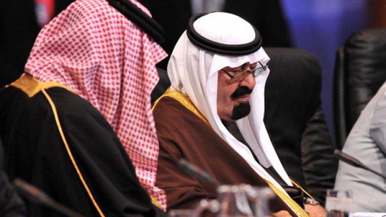 Абдула беше един от най-богатите хора в света, като състоянието му през 2013 г. се оценяваше на 63,2 млрд. долара по класацията на Forbes.