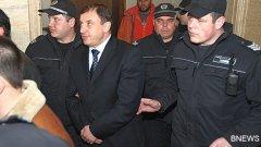 """""""Това е политическа поръчка, Бойко Борисов е подведен"""", обяви Алексей Петров на влизане в съда"""