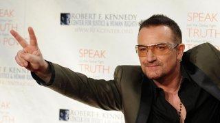 """За албума All That You Can't Leave Behind Боно казва, че е изстрелял повторно U2 на позицията """"най-добра група в света"""""""