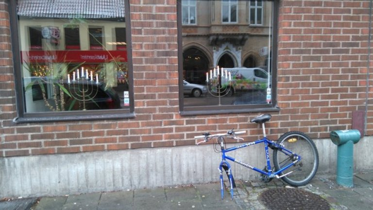 Ако ти потрябва предна гума на колело - в Швеция просто си я взимаш от улицата