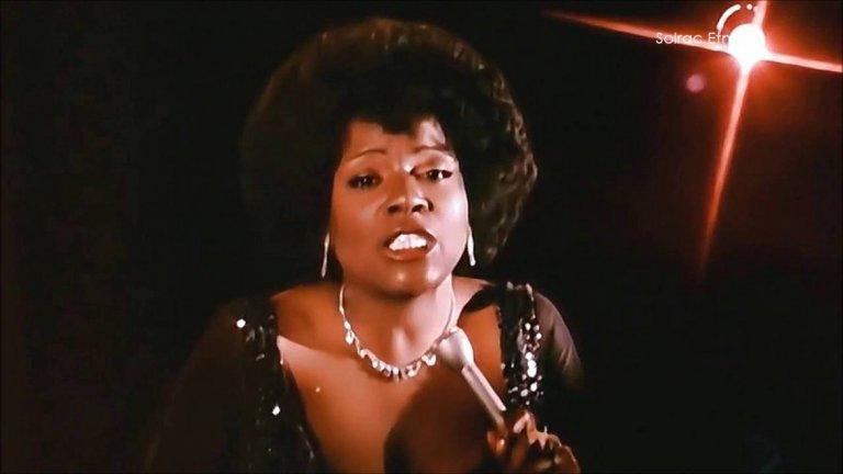 Gloria Gaynor - I Will Survive Вечният женски химн на онези дами, които няма да се предадат на разбитото сърце и ще оцелеят, за да намерят евентуално някой ден нова любов. Или котка.