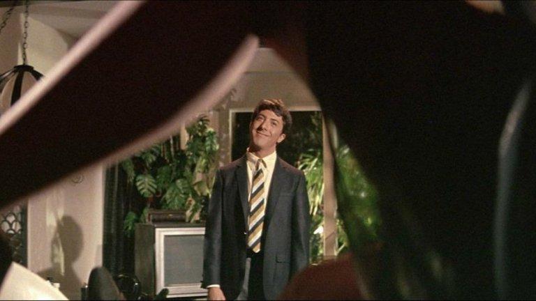 """Simon and Garfunkel - Mrs Robinson (""""Абсолвентът"""") Макар и до днес най-известното парче на двамата бардове да е The Sound of Silence, Mrs Robinson и емблематичният филм с Дъстин Хофман ни остават много любими."""