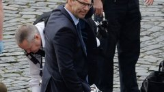 Човекът, оказал първа помощ на ранения полицай в Лондон, е депутат и бивш капитан в британската армия