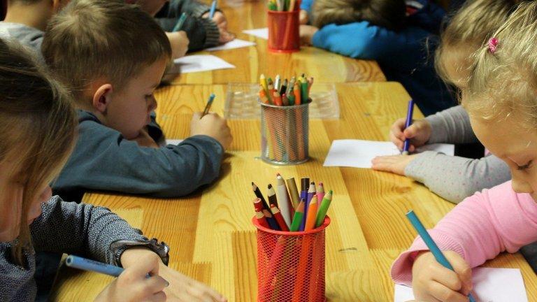 Препоръката на Столична община е децата, за който има кой да се грижи, да останат вкъщи