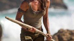 """Tomb Raider  Тази пролет за втори път легендарната за гейминга героиня Лара Крофт ще бъде изиграна от актриса, спечелила """"Оскар"""" за поддържаща женска роля. През 2001 г., малко след като взе статуетката за """"Луди години"""" (Girl, Interrupted), Анджелина Джоли влезе в ролята на смелата авантюристка. Днес тази чест се пада на Алисия Викандер, която бе отличена за """"Момичето от Дания"""".  Новият Tomb Raider ще разкаже историята на младата Лара, която разследва изчезването на своя баща. То ще я отведе до последното място, където старият професор е видян - гробница на самотен остров край бреговете на Япония.  Tomb Raider ще дебютира още на 16 март 2018 г."""