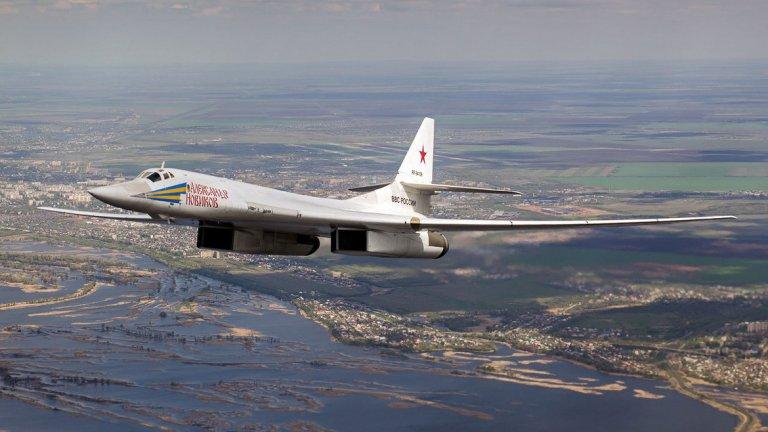 "Русия купува 10 нови стратегически бомбардировача ""Ту-160М"""