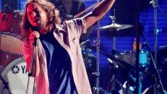 Pearl Jam винаги са се забавлявали на сцената, но хубавото е, че върнаха този дух и при студийната работа