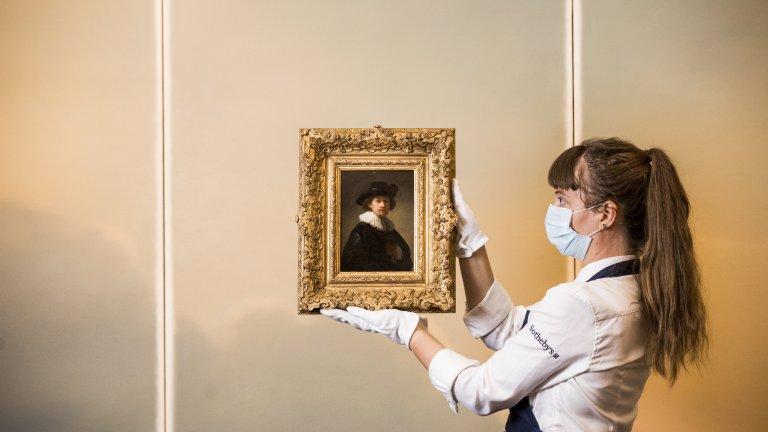 """Рембранд за домашна употреба Портретът """"Якоб де Хейн III"""" е най-крадената картина. Тя изчезва общо 4 пъти от галерии във Великобритания - през 1966 г., 1973 г., 1981 г. и 1986 г. От там идва и прякорът ѝ """"Рембранд за домашна употреба"""". Добрата новина е, че след всеки обир крадците са арестувани, а картината отново е връщана в музея."""