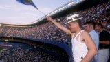 11 500 спортисти в 30 различни спорта се състезават на Гей Игрите в Чикаго през 2006 година. Привличат почти 150 000 зрители и влизат в историята като първите Гей Игри, които излизат на печалба.