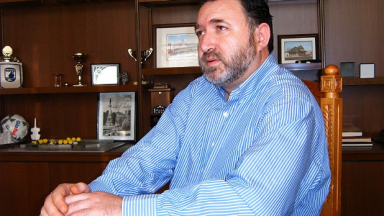 Кабаиванов е обвинен за присвояване на близо 27 хиляди лева от бюджета на Община Карлово