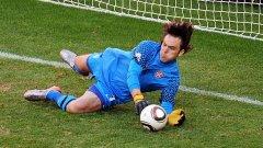Вратарят на Спортинг (Лисабон) и националния отбор на Сърбия спасява дузпата на Лукас Подолски
