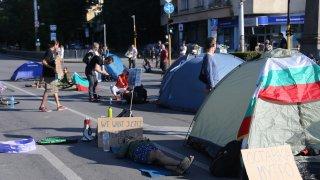 """Има ли смисъл в тази следваща крачка на протестите - аргументи """"в подкрепа"""" и """"срещу"""""""