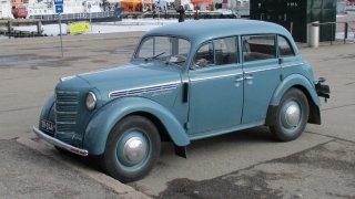 Именно той обаче дава силен тласък на съветската автомобилна индустрия