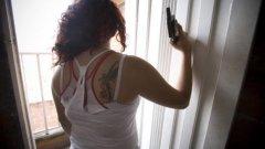 Мария изпълнява убийства по поръчка на властите в откритата война с наркопласьорите във Филипините. Тя е част от ударен отряд