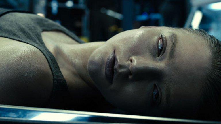 """Морган  Премиера: 2 септември  Пълнометражен дебют на режисьора Люк Скот, син на големия Ридли Скот и работил като асистент по няколко филма на баща си, включително """"Марсианецът"""". Синът навлиза в голямото кино с фантастика тип Ex Machina, а главната героиня Морган е бързо развиваща се изкуствена форма на живот. Естествено, тя бива изпусната от контрол и се превръща в смъртоносна опасност, а Кейт Мара е в ролята на жената, която трябва да я спре. Трейлърът загатва за пленителен фантастичен трилър в мрачни тонове, но в първоначалните ревюта на критиката отзивите са смесени."""