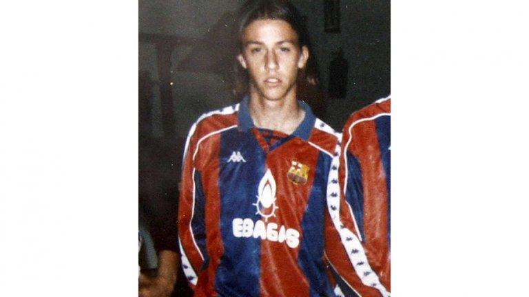 Бекъм с фланелка на Барселона: Историята на една стара снимка
