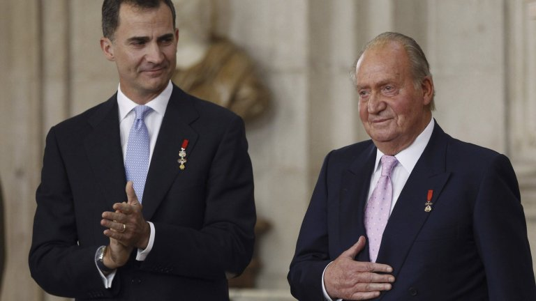 Хуан Карлос и синът му крал Фелипе