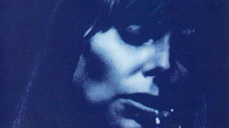 """3. Joni Mitchell, 'Blue' (1971 г.)  Rolling Stone посочат, че албумът на Мичъл е """"първият път, в който голям рок или поп музикант се отваря така пълно, създавайки може би най-върховният албум за раздялата"""". Именно любовните неуспехи са в центъра на албума, което по това време е тема, запазена най-вече за мъжете изпълнители."""