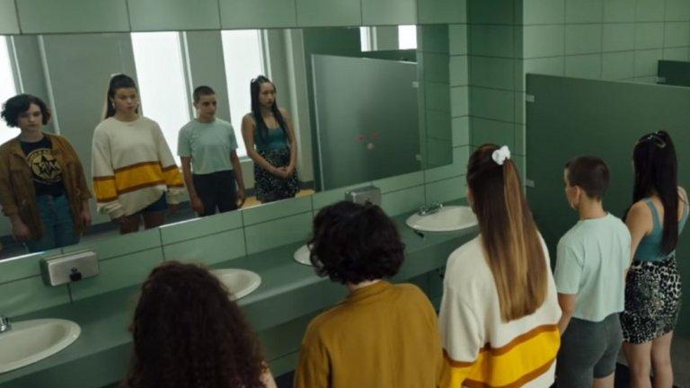 Отново в центъра на историята е легендата за Кендимен - убиец, който се появява, когато кажеш името му 5 пъти пред огледало...