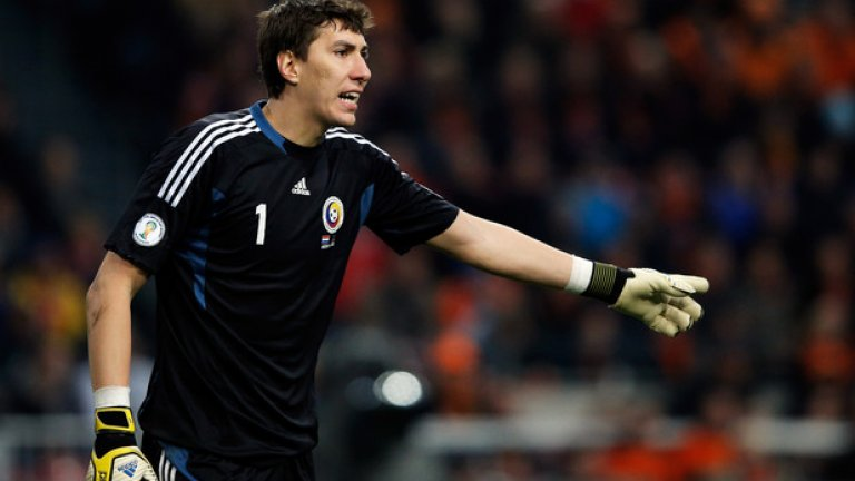 Най-високият футболист: Костел Пантилимон (Румъния) – 2,03 м.
