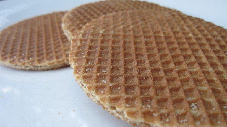 В Холандия тези сиропирани вафлени кори са известни като Stroopwafels
