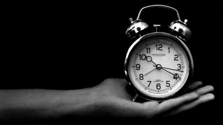 Както е тръгнало, скоро и аларменият часовник ще отиде в пенсия, заместен от мултифункционалните смартфони