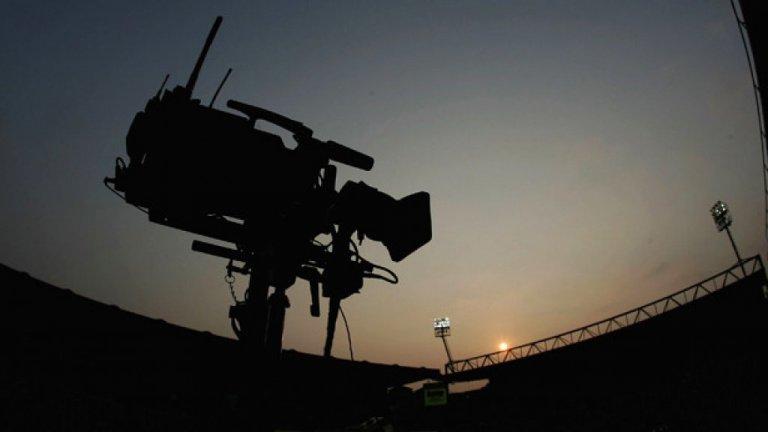 Шампионът Ливърпул, Юве, Барса и още много футбол по ТВ в събота