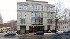 """Това е сградата на фирмата """"Интернет изследвания"""" в Санкт Петербург, която, според """"Радио Свобода"""", работи като фабрика за тролове. Тя се намира на улица Савушкина 55"""