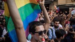 Оттам посочват, че съгласно българските закони еднаквият пол на лицата е пречка пред сключването на брак