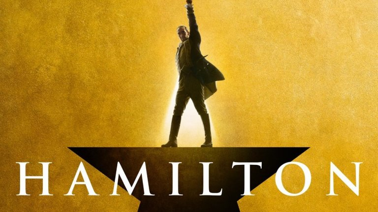 """Hamilton (""""Хамилтън"""") Metacritic: 90 Rotten Tomatoes: 98%  Музикалният филм представялва запис на бродуейския мюзикъл със същото име. Лин-Мануел Миранда, който е сценарист и продуцент на продукцията, е в главната роля на един от основоположниците на САЩ - Александър Хамилтън. Мюзикълът разказва за живота и кариерата на Хамилтън - емигрант от карибски остров, който става първият финансов министър на Щатите. Филмовата версия на """"Хамилтън"""" предизвика засилен интерес към стрийминг платформата Disney+, а сред похвалите е това, че режисьорът Томас Кейл е успял да улови енергията на сценичното изпълнение."""