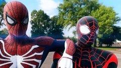 """Spider-Man (7 септември/PS4)  С появата на серията Batman: Arkham, игрите за супергерои най-сетне доказаха, че могат да бъдат нещо повече от евтини и посредствени лицензирани заглавия. Сега геймърите с нетърпение очакват премиерата на новата Spider-Man игра от майсторите на екшъна и платформинга Insomniac Games. Играта ще разкаже нова история за Спайдърмен, която не е свързана със съществуващи комикси, видеоигра или филм. Тя ще обхваща както Питър Паркър, така и неговото алтер его, а в играта той вече ще е насъбрал сериозен опит в дейността си на супергерой.   Очаква ни голям отворен свят в рамките на Ню Йорк и комбинация от интуитивна бойна система, акробатични изпълнения и някои стелт мисии. Ще видим познати персонажи и злодеи, както и препратки към други герои от вселената на """"Марвел""""."""