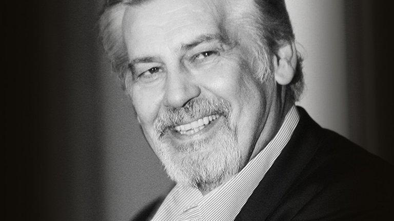 Стефан Данаилов  Един от големите български актьори има над 150 роли в киното, театъра и телевизията, заслужил артист (1975) и народен артист (1983), дългогодишен преподавател по актьорско майсторство за драматичен театър в НАТФИЗ, политик от БСП, министър на културата в правителството на Сергей Станишев и избиран за народен представител шест пъти. Той си отиде на 27 ноември 2019 г.