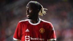 Юнайтед ще търси алтернатива на Уан-Бисака през зимата