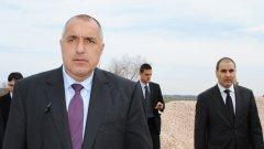 Премиерът Бойко Борисов заля с асфалт цялата държава...